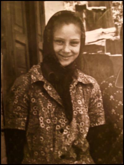 Во время ссылки умерла моя сестра Лена